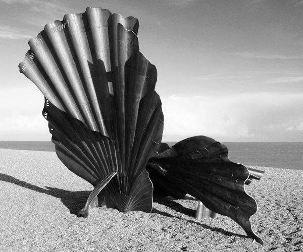 Aldeburgh Maggi Hambling Beach On The Beach Aldeburgh Scallop Scallop Benjamin Britten Sculpture By The Sea Modern Art