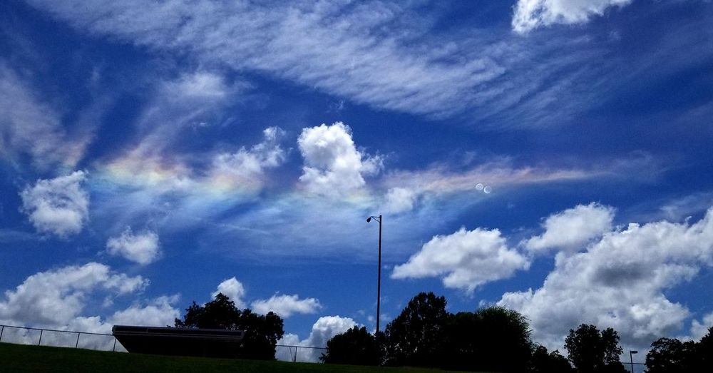 Rainbows Sky Clouds Rainbow Firerainbow Circumhorizontal Arc Prism Tree Sky Cloud - Sky Dramatic Sky Spectrum Atmospheric Mood