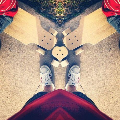 Foto editada efeito espelho zica kkk. Familiagrox Amigos Friends Longboard skate gangdarodabranca goodvibes vibe bomdia goodmorning adidasoriginals moska urbanstore
