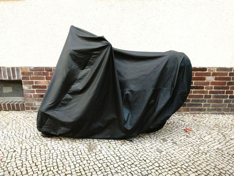 Walking Around Escaping Camping Covered I Got You Covered Motorbike Black Plastic Cover Berliner Ansichten