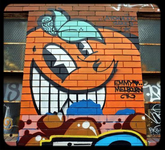 Graffiti by Atomik Streetart in Laneways