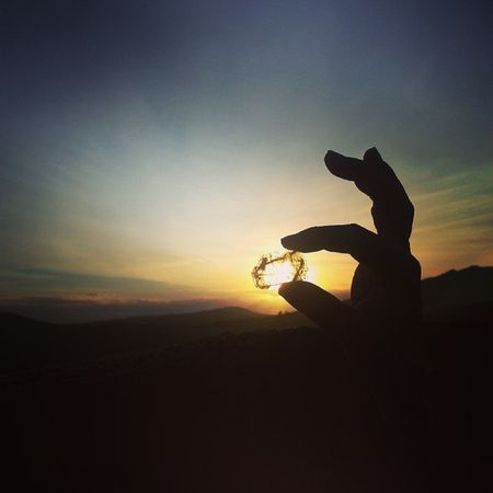 Mineral Cristal Rock Shining Hands Hand Nature Sunset ColorPalette Colors Picoftheday Instagood Sun Artistic Inspirational Creative Perfection Smooth Photooftheday Impressive Travel Lights Italy Top Inspiration country countryside hike