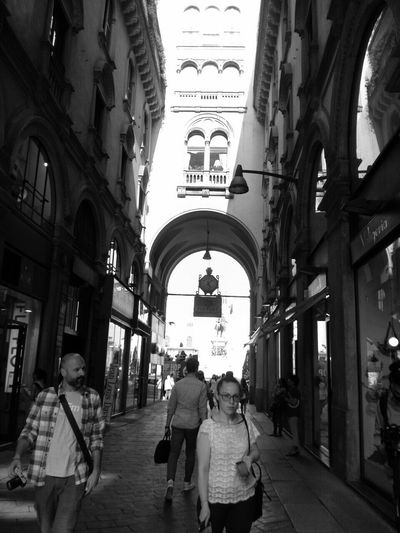 EEA3-Milano People Watching Streetphotography Milan,Italy Black And White IPhoneography The Global EyeEm Adventure