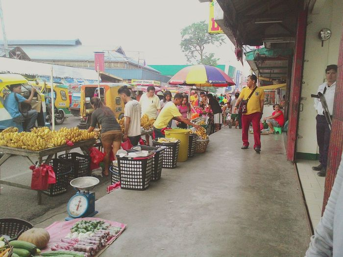 Lively! Street Vendors Ratrace Yellow Streetphotography