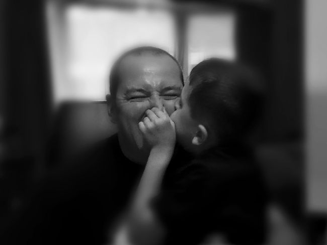 Father Togetherness Bonding Childhood Close-up EyeEmNewHere FreshonEyeem Kidsphotography FamilyTime Black And White Portrait Funfunfun Laughter Is Beauty  Father And Son Time Blackandwhite Photography Family With One Child Real People Human Body Part Friendship Love FamilyFun  Famil