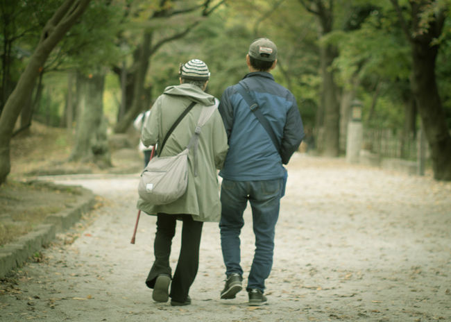 ご近所散歩 Park Olympus Olympus Om-d E-m10 EyeEm Takumar EyeEm Best Shots Oldlens Walk Men Women Holding Hands Arm In Arm
