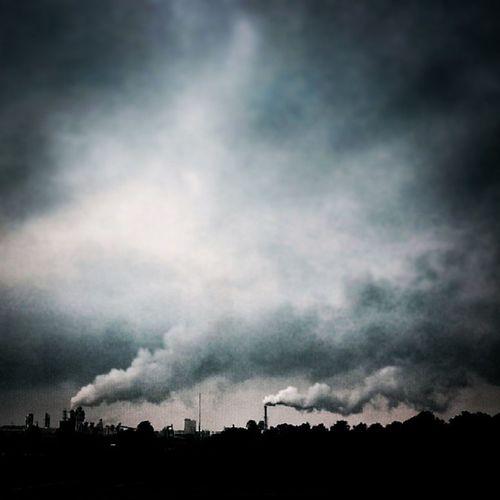 Prignitz Dark Fabrik Industrie himmel sky