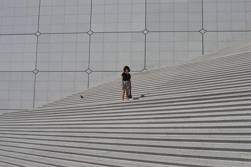 Art Geometric Girl Street Architecture Paris Pose #urbanana: The Urban Playground The Modern Professional