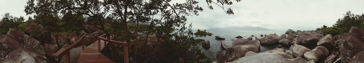 Ilhabela - Brasil PraiaDoSino Paraíso Pedras Mar Natureza🍁