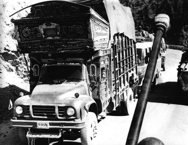Millitary 1985 СССР ОКСВА афганистан БМП-2 35mmfilmphotography Udssr Black & White сопровождение автоколонн Afghanistan