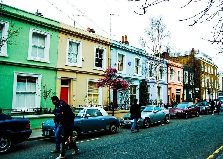 Color urban. #byandrearochael Building Exterior Architecture Built Structure City Lifestyles Street