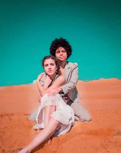 2 Woman in the Desert Togetherness Two People Women Young Women Couple - Relationship Desert Queer Women Lgbt Homosexual Love Girls Black Woman Women Of Color Love Androgynous Young Adult Classy Black Color Black Skin Afro Afrohair Lesbian Queer