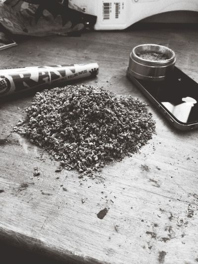 Weed Blac&white  Conelife