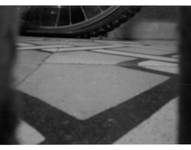 Blanco Y Negro 35mm Fotografía Analógica Analogue Photography No People Black And White Camera Estenopeica Bicycle