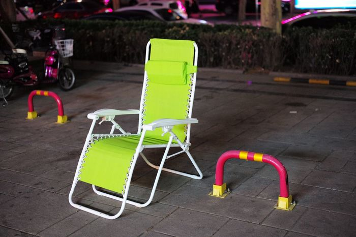 waiting Streetphotography Nightphotography Leicam Leicacamera Chair Beijing China Colors Colorful Green Green Color