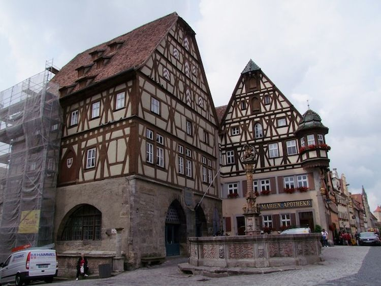 Meat & Dance Hall (right), Jagstheim House (right) & St Georges Fountain (middle) Architecture Building Building Exterior Built Structure Composition Culture Day Exterior Façade Fountain German Historic History House Old Outdoors Residential District Rothenburg Tourism Tourist Urban Window