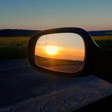 Un soir en Lorraine Sunset Sunsetlovers Sunrise_sunsets_aroundworld Sunporn Contrast Field Countryside Campagne Champdecolza Coucherdesoleil Campagne Regionlorraine Soirdemai Mai2016 Picoftheevening Photodusoir Bonsoir Bonjour