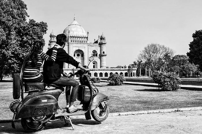Love is like a cloud, Love is like a dream, Love is one word and everything in between. Love is a fairy tale come true because I found love when I found you... Safdurjungtomb Newdelhi SonyAlpha58 Sonyshooter DelhiGram Delhidiaries Valentineday Delhivery Instagram Black &white