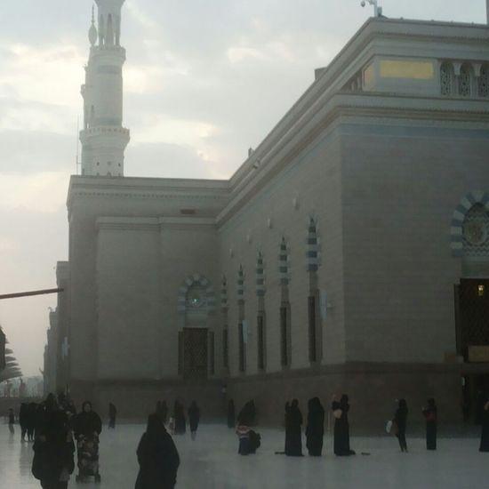 المدينة_المنورة المسجد النبوي مطر💜💜💜 تصويري♡