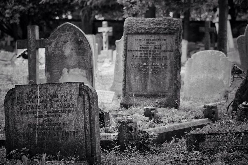 No Property No People Cemetery Tombstone Graveyard South West London Burial Ground Canonphotography Churchyard Graveyard Beauty Creative Photography Black & White Canon Outdoors Day