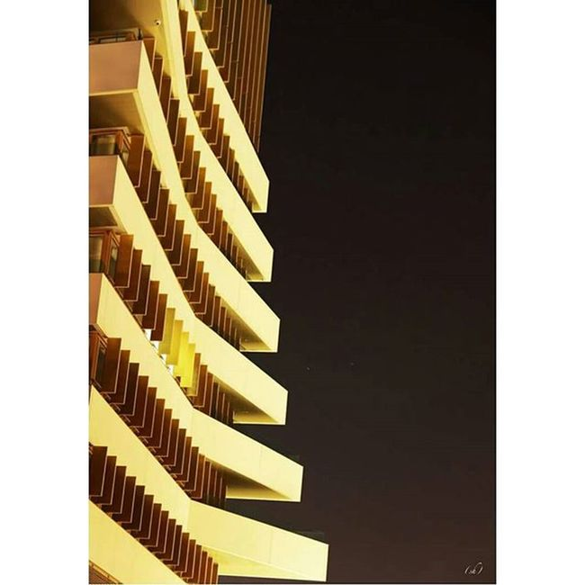 Tiroir Building Immeuble Bâtiment  Archilovers Architecture Design Montpellier Mtp Lattes Windows Wood Bois Fenêtre Night Nuit Arc
