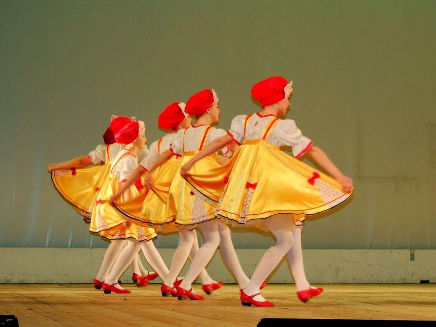 Dancing Peterburg Russia Avrora Concert Children