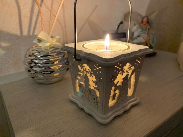 Spirito Natalizio Candle Burning Illuminated Fire Flame Indoors  Lighting Equipment Fire - Natural Phenomenon Decoration Heat - Temperature Table Close-up Event Oil Lamp High Angle View Celebration No People Nature Religion Glowing