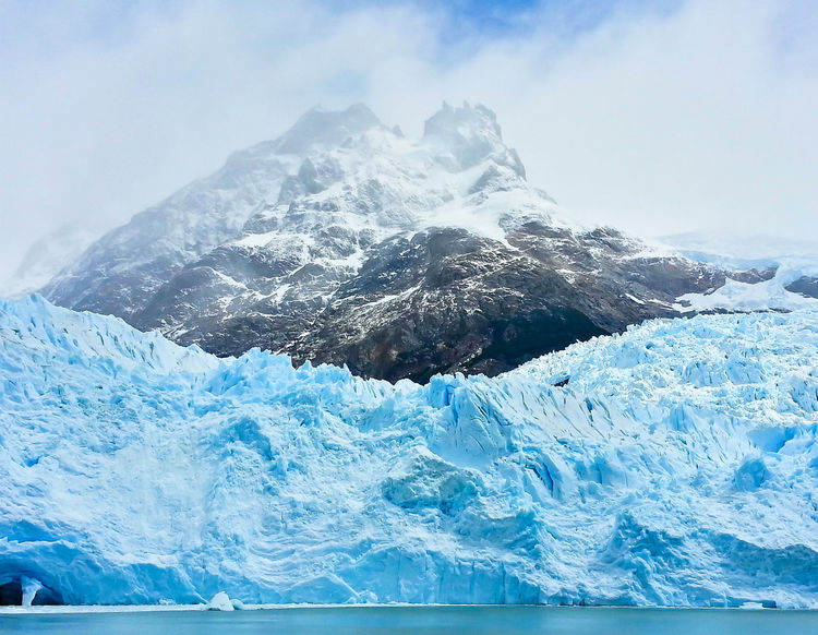 Los Glaciares Perito Moreno. Patagonia. Argentina. Patagonia Argentina Perito Moreno Glacier Perito Moreno Calafate Calafate - Argentina Blue Color Ice Iceberg Frozen Shades Of Winter Shades Of Blue Wall Thewall Winteriscoming Glacier National Park Glacier Sea Water Wave Blue Motion No People Beauty In Nature