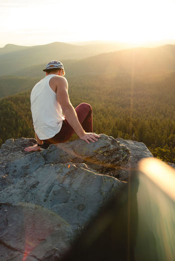 Sitting Outdoors Vacations Young Adult Men EyeEmNewHere Cliff Edge Edge Of The World Adventure Day Mountains Travel Destinations Hills Landscape PNW Oregon Nature New Talent