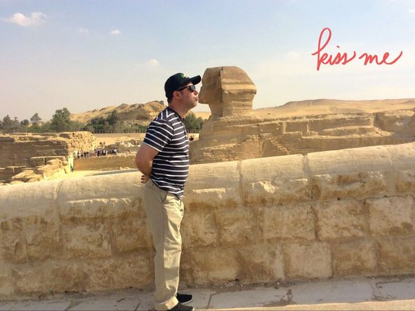 Vacation Vacation Photos   Traveling Travel Travel Photography Check This Out That's Me Adventure Giza Pyramids At Giza Pyramids Egypt Sphynx Kiss Funny Funny Pics Funny Pictures Funny Picture