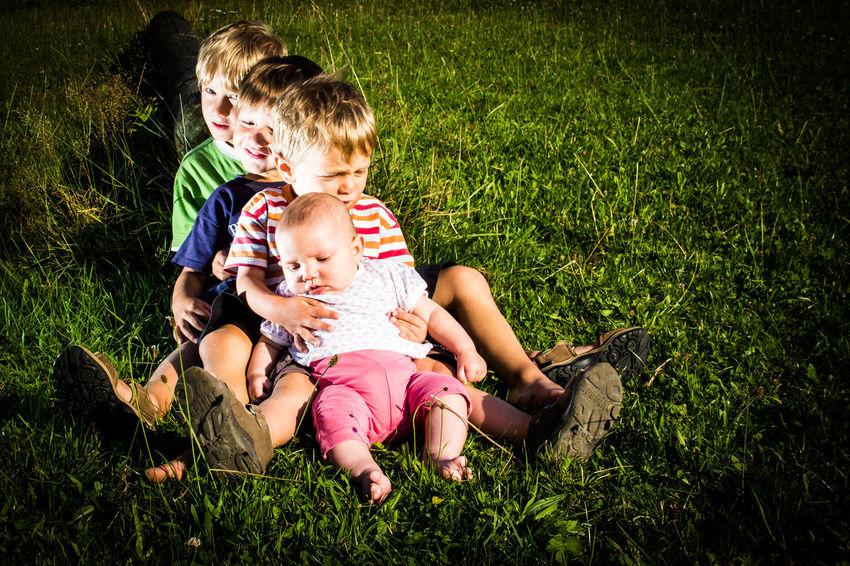 Boy's in Line Boys Childhood Children Children Photography Eyeem People + Portrait Freundschaft Friendship Happiness Jungs Kinder Lifestyles Sitting Sweat Süss Togetherness Joy Of Children