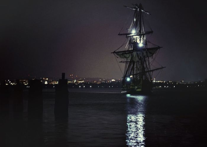Just one more - approaching in the night L'Hermione Ship Sailboat Potomac River Capturing The Moment Oldtownalexandria Alexandria, VA Voyage En Route Nightphotography Cities At Night