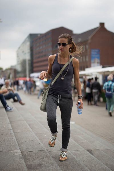 City Focus On Foreground Front View Incidental People Lifestyles Person Rotterdam Sunglasses Zerofotografie.nl