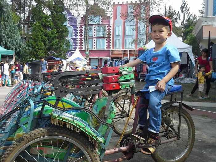 Riding Becak