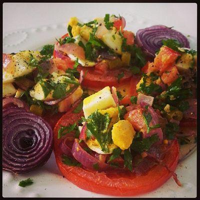 Yumurta salatasını böyle yaptiniz mi hiç közlenmiş domates üzerinde :)) Instalike Instagood Instakahvaltı Kahvaltı pastalinmutfagi