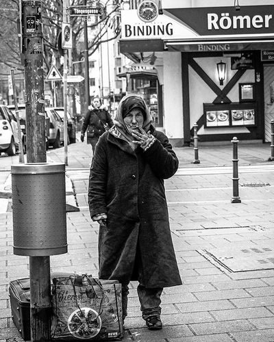 EveryoneHasAStory Reyscue Street Moments Frankfurt Germany Outdoor Bw Urban Social Documentary Homeless People Olympus Olympusomd Mft Beststreets Bestpic Blackandwhite White Black Travel Artist Nonprofit 12 -40 Old lady instagram instagrammy street streetphotography