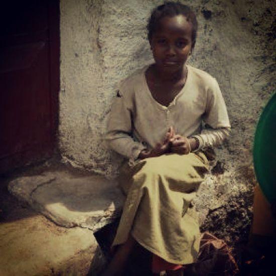 """""""Crianças fofas pelo mundo"""" - Harar, na Etiópia, África. 30trips VoltaAoMundo Rtw Harar ethiopia africa diadascrianças kidsday"""