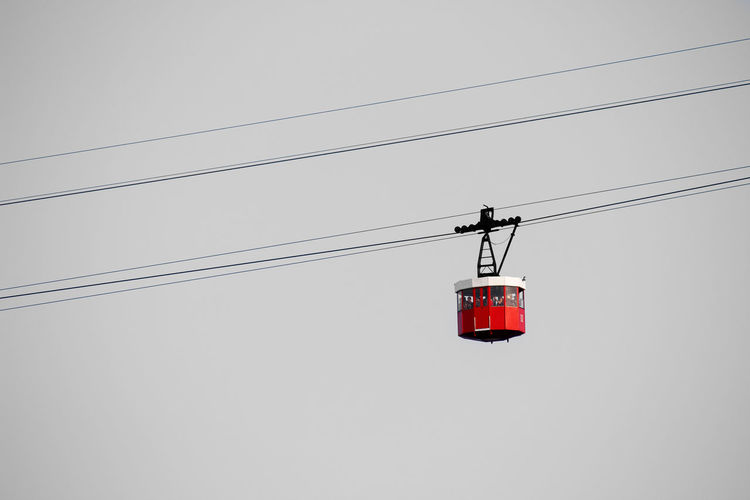 Teleférico del Port, Barcelona. Barcelona Catalunya City SPAIN Teleferico Cabin Cable Clear Sky Connection Day Electricity  Hanging Iconic Low Angle View Minimalism Outdoors Overhead Cable Car Port Red Sky Technology Transportation Urban Wire