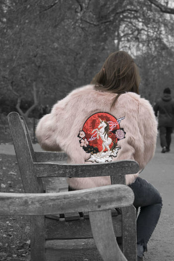 Unicorn London Back Pink Color Fur Fur Coat Uk Photooftheday Phoyography Streetphotography Street Photography Street People Life Blackandwhite Photoshop Lady Girl Woman Edit Fashion Outdoors Day One Young Woman Only Young Adult