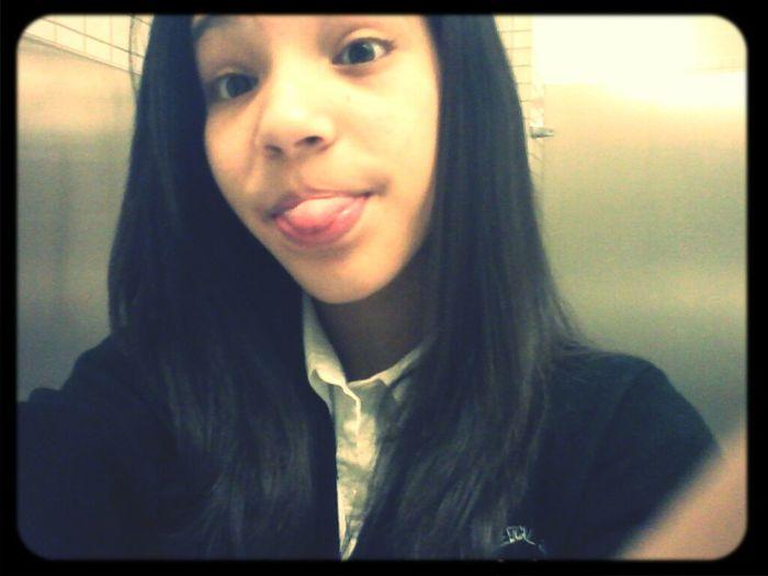 Chillingg At School Earlier. ♥