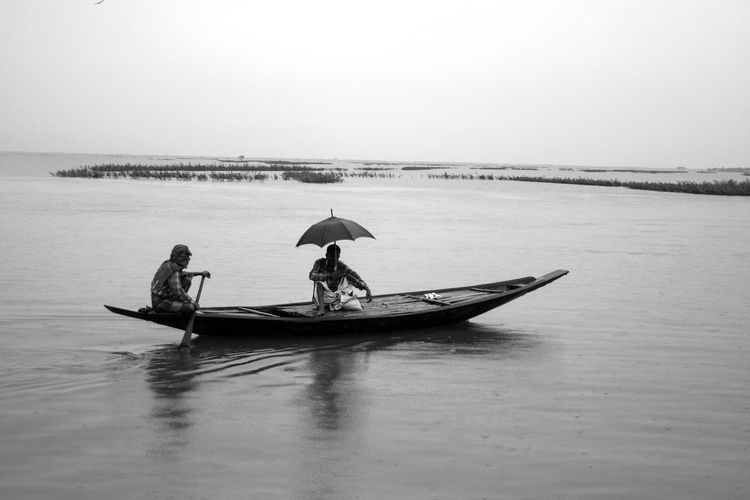 Bangladesh Boat Chars Floods Horizon Over Water Oar Real People River Rowing Water