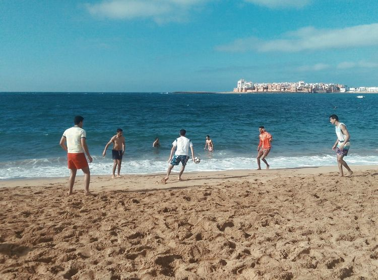 Football Fever Taking Photos Football Football Game Beach Summer Summertime Fun Play Football The Essence Of Summer People Of The Oceans Live For The Story Sommergefühle