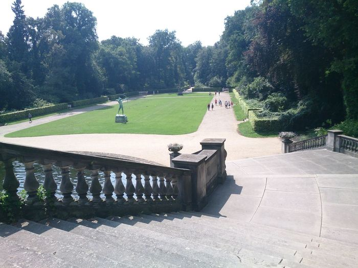 Las Escaleras de un Palacio con su Jardin en la Ciudad De Potsdam en berlin