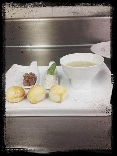 Sopa de cordero ajo mantequilla vinagre blanco ( Barbacoa mexicana )