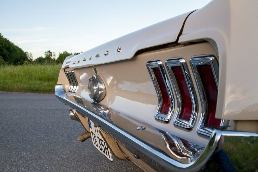 EyeEm Selects Mustang Transportation Vintage Car Retro Styled Car Old-fashioned No People Close-up Oldtimer Collector's Car Summer