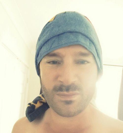 Cheeky Selfie Posey.✌️ Selfie ✌ Just Showered  Towelonmyhead Showered Up =p