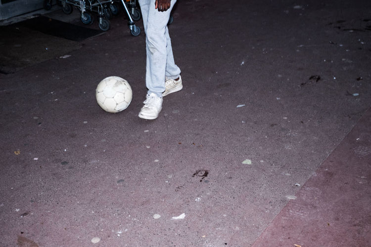 Urban Foot Adult Ball Day Flash Football Human Body Part Human Leg Low Section One Person Outdoors People Playing Sport Streetphotography