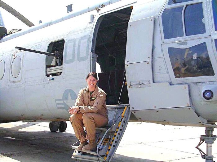 ♥️🇺🇸🇺🇸♥️🇺🇸🇺🇸💙🇺🇸🇺🇸💙 This is my niece, Grace. She is a marine pilot and served her country with pride and honor. Grace did 3 tours in Afghanistan picking up wounded and delivering food to troops in the middle of the night. I am so proud of her and I am so proud of my country. Happy Birthday USA! 🇺🇸🇺🇸🇺🇸🇺🇸🇺🇸🇺🇸🇺🇸🇺🇸🇺🇸🇺🇸🇺🇸🇺🇸🇺🇸🇺🇸🇺🇸🇺🇸🇺🇸🇺🇸🇺🇸💥 💥 💥 💥 💥 Marine Bravery Brave Country Boeing Helicopter American Thank You Pride Family Love Blessings American Proud USA Mode Of Transportation Transportation One Person Travel Day Adult Young Adult