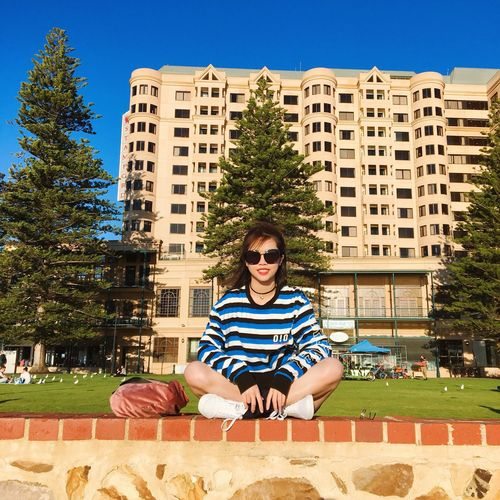 🆒 Hello World Light And Shadow Streetphotography Travel Leisure Activity Sunglasses One Person Real People Tree Built Structure Architecture Sunlight Blue