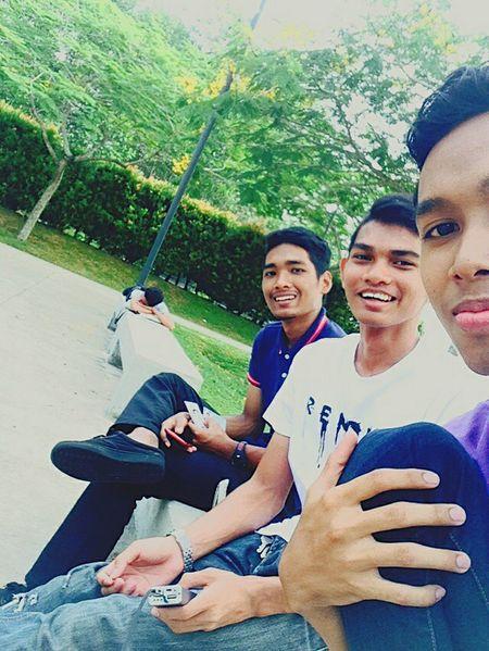 Friend FRIENDSHIPGOALS Malaysiaeyem Malaysia Taking Photos Smile Laugh